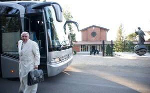 pope_bus